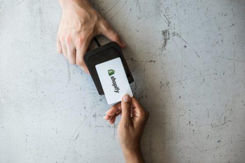 Shopifyのデザインは幅広い!テーマの詳細と業種別おすすめテーマ12選